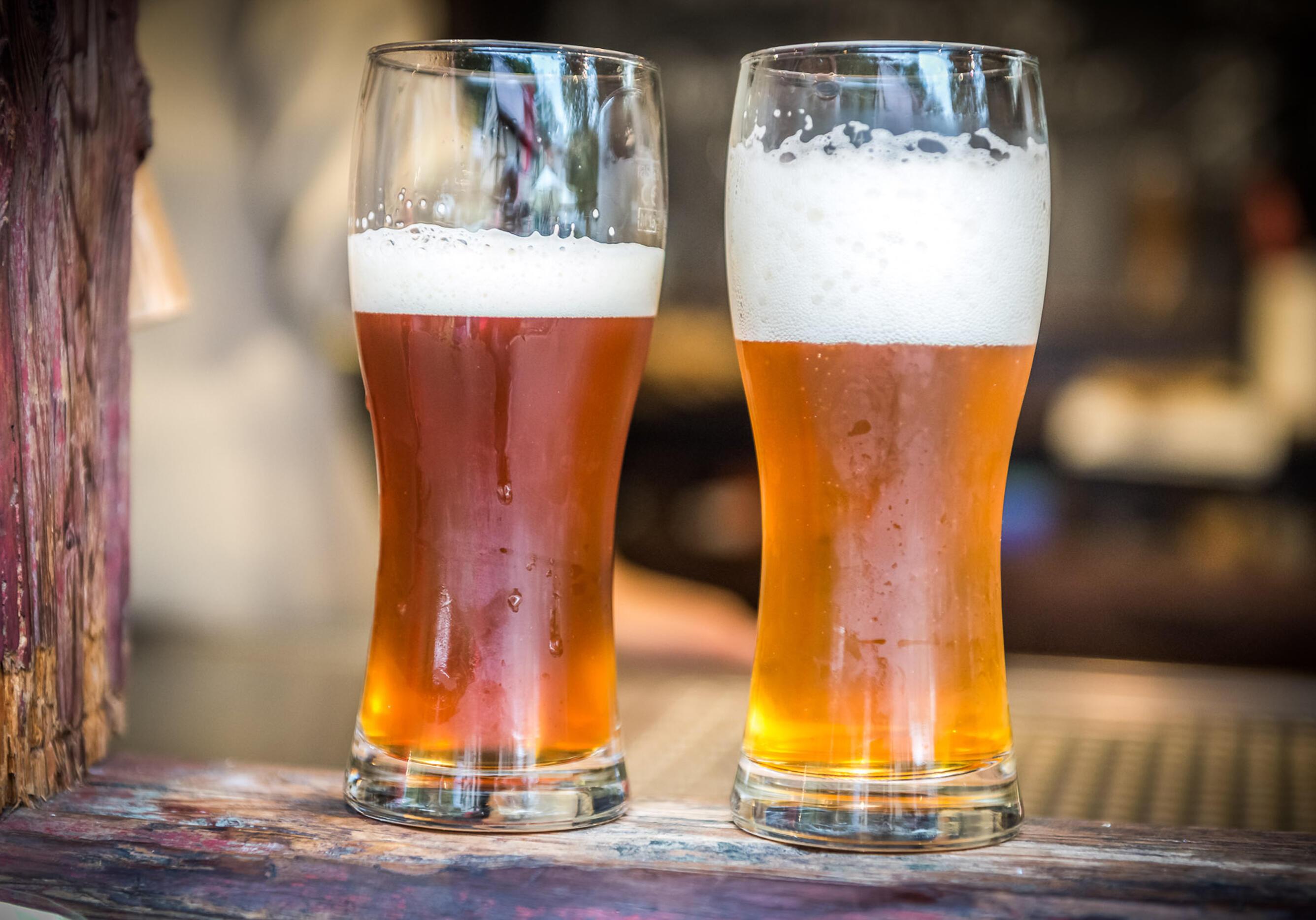 Ein kühles Bier aus der Biobrauerei